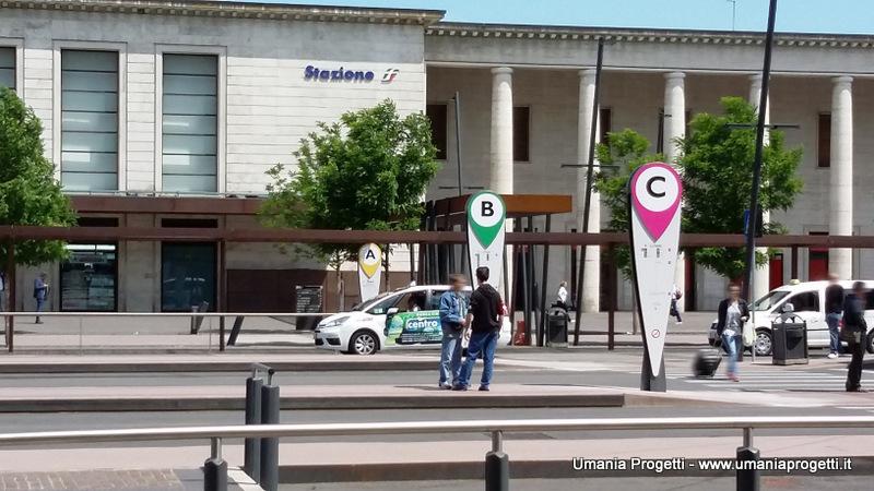 Totem Piazzale Stazione